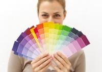 Девушка с цветным веером
