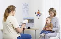 Консультация маленького ребенка у офтальмолога