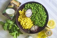 Зеленый горошек и кукуруза