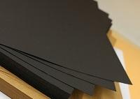 Черные листы бумаги