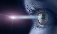 Луч лазера при лечении глаз