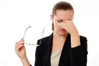 Глазное давление у девушки