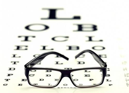 Резкое ухудшение зрения - причины его снижения, почему резко упало зрение на одном глазу